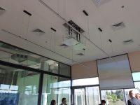 התקנת מערכת מולטימדיה מעלית למקרן וסאונד בחדר ישיבות בחברת פי קיור