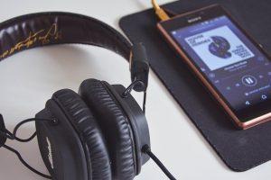אוזניות מערכות שמע כולל התקנה